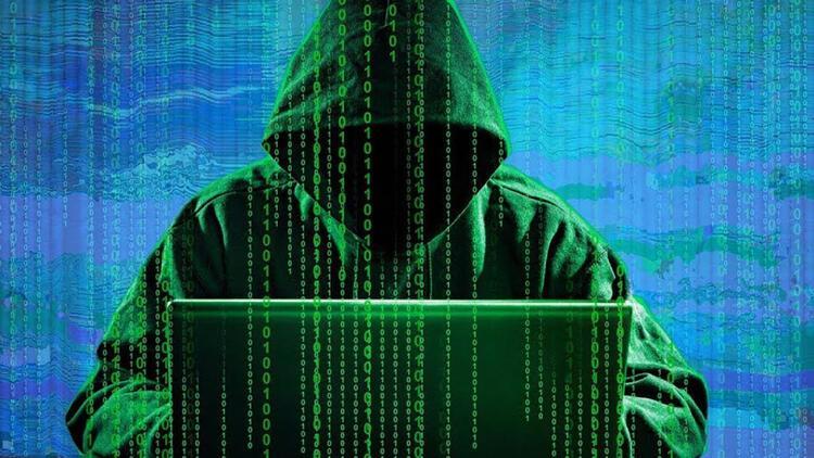 Ünlülerin Twitter hesaplarını ele geçiren korsanlar tutuklandı