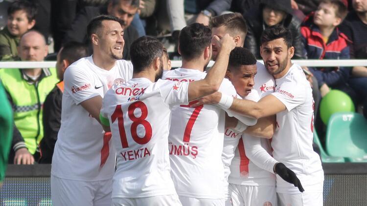 Antalyaspor kulüp rekoruyla sezonu tamamladı!