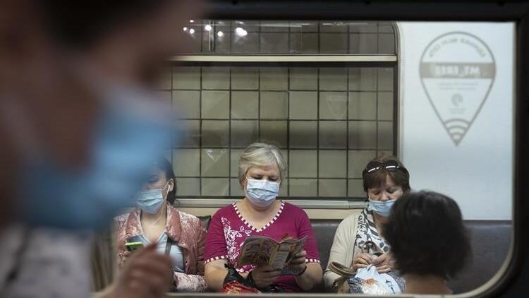 Rusya'da 24 saatte 5 bin 462 yeni koronavirüs vakası