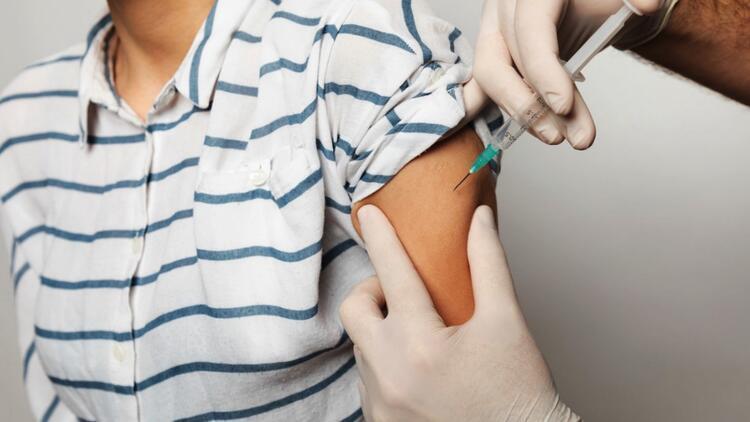 Koronavirüs aşısıyla ilgili heyecanlandıran açıklama: Aşı ekim ayına hazır