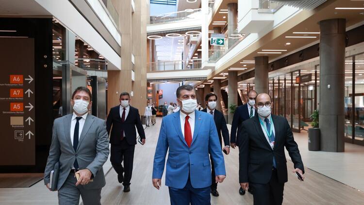 Bakan Koca'dan Başakşehir Çam ve Sakura Şehir Hastanesi'ne ziyaret