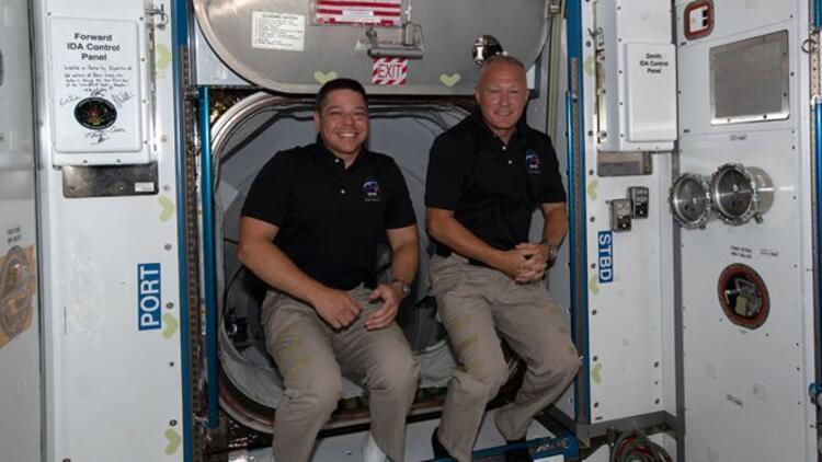 Astronotlar Space X aracıyla dünyaya bugün geri dönüyor