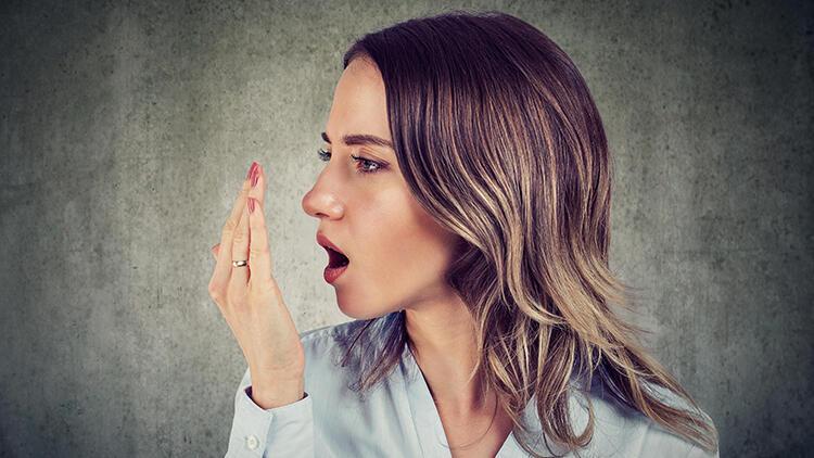 Ağız kokusu neden olur? Ağız kokusunu önlemek için nelere dikkat edilmeli?