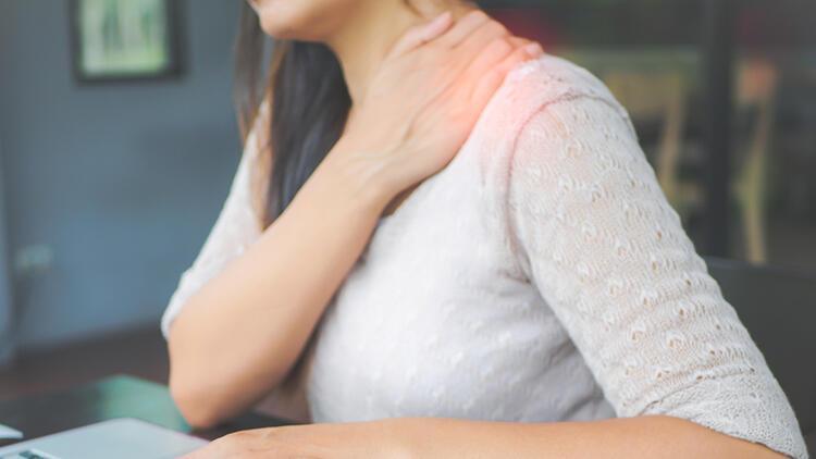 Donuk omuz sendromu nedir? Belirtileri nelerdir ve nasıl tedavi edilir?