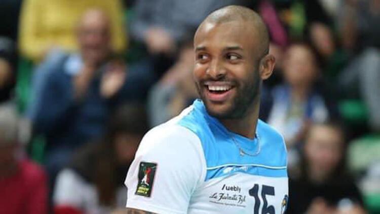 Brezilyalı voleybolcu Caio Alexandre Oliveira'ya coşkulu karşılama