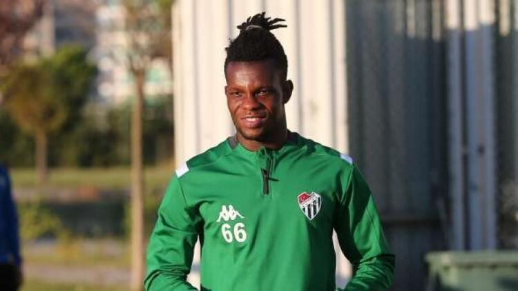 Bursaspor'da bir ayrılık daha! Mamadou Diarra sözleşmesini feshetti..