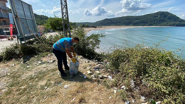 Bartın'ın Mugada sahilinde 'çöp' tepkisi