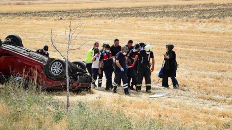 Konya'da şarampole devrilen otomobildeki 4 kişilik aile yaralandı