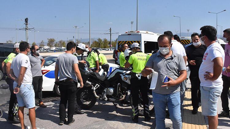 İzmir'de servisçiler, 'S plaka ihalesi' eylemi yaptı