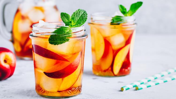 Serinleten Lezzet: Buzlu Yeşil Çay Nasıl Yapılır?