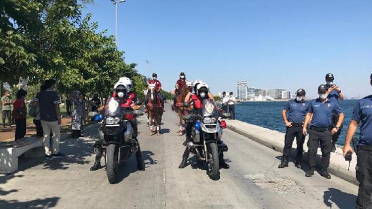 Bakırköy Sahili'nde atlı ve motosikletli koronavirüs denetimi
