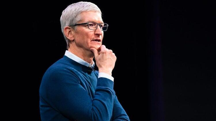 Apple CEO'su Tim Cook da dolar milyarderleri listesine girdi