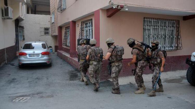 Adana'da şafak operasyonu