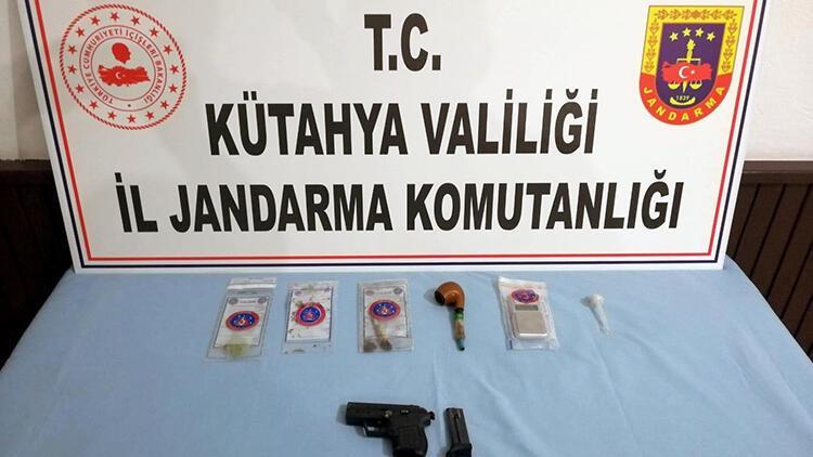 Kütahya'da uyuşturucu ticaretine 3 tutuklama