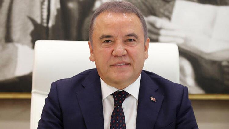 Son dakika haberi... Antalya Büyükşehir Belediye Başkanı Böcek'in Kovid-19 testi pozitif  çıktı