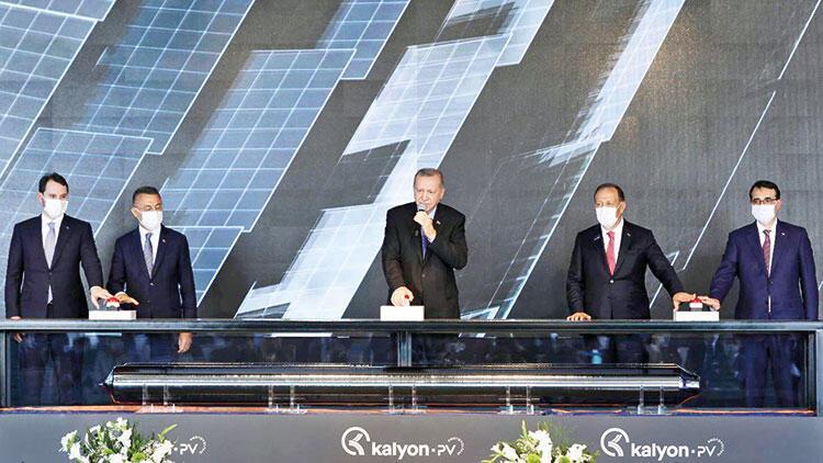 Erdoğan, Türkiye'nin ilk entegre güneş paneli fabrikasının açılışında konuştu: Ekonomide salgın öncesine dönüş