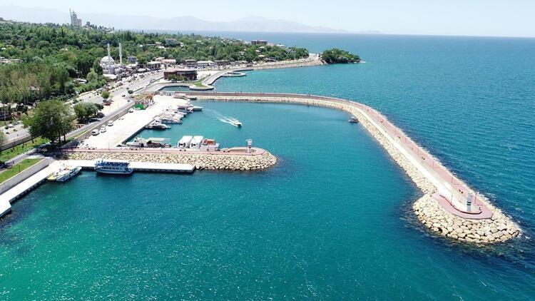 Van Gölü'ne 'yüzen otel' projesi onaylandı
