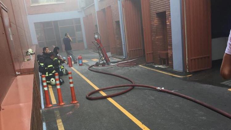 İzmit'te fabrikada yangın paniği: 10 işçi dumandan etkilendi