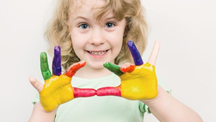 Okul öncesi çocuklar için baskı ve boya çalışmaları