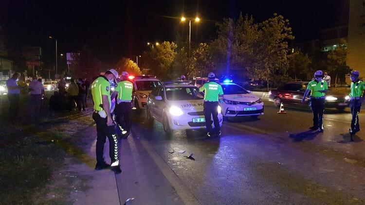 Yolun karşısına geçmek isteyen kişi panelvan aracın çarpmasıyla öldü