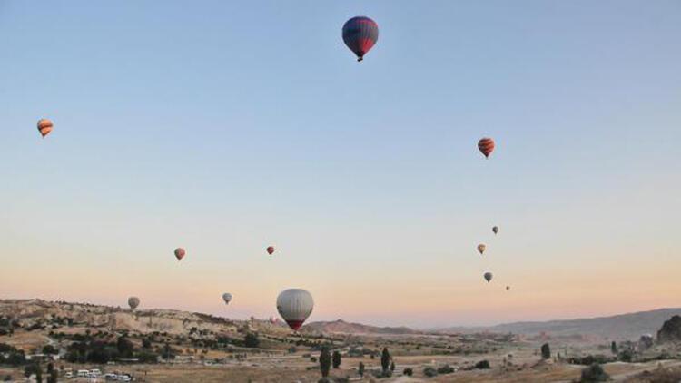 Kapadokya'da balonlarla 3 günde 1500 kişi uçtu