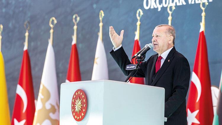 Erdoğan'dan Yunanistan'a: Karşımıza çıkmak isteyen buyursun gelsin