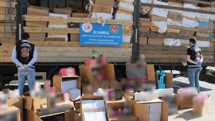 Islak mendil yüklü TIR'da, 10 milyon lira değerinde kaçak parfüm ele geçirildi