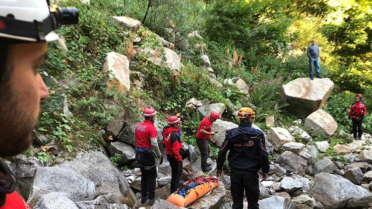 Uludağ'da yaralanan amatör dağcı ile babası, 17 saatlik kurtarılma sürecini anlattı
