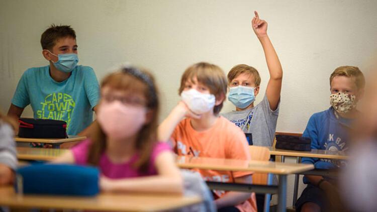 KRV de derslerde maskeyi çıkarttı