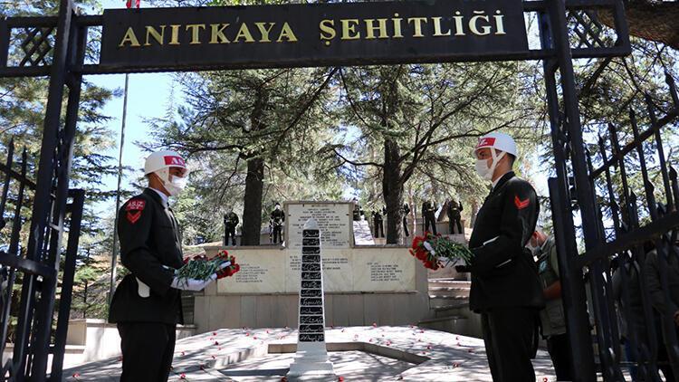 Afyonkarahisardaki Anıtkaya Şehitliğinde anma töreni