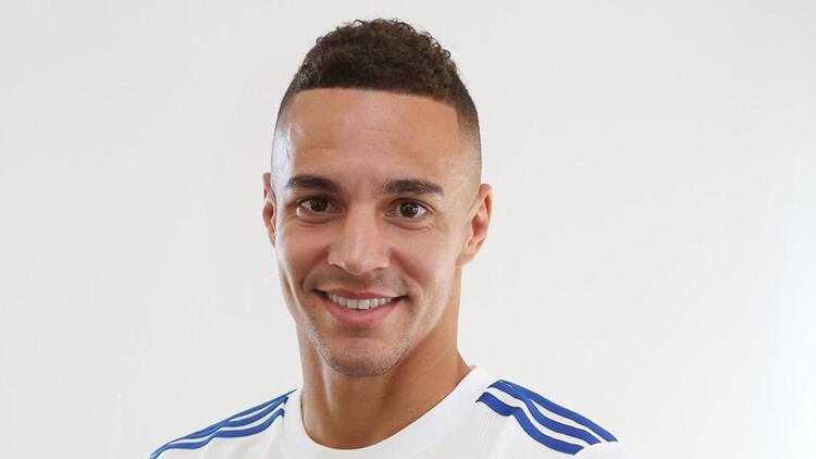 Leeds United, Rodrigo Morenoyu transfer etti