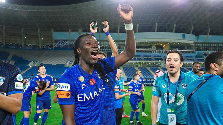 """El-Hilal, Gomis'in """"hat-trick"""" yaptığı maçta şampiyonluğa ulaştı"""