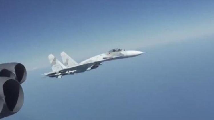 ABD, Rus savaş uçağının 'tehlikeli' manevrasını paylaştı