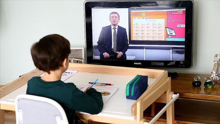 Yeni eğitim-öğretim yılı, uzaktan eğitimle yarın başlıyor