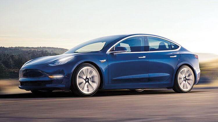 Tesla'nın otopilotu hız tabelalarını da görebiliyor