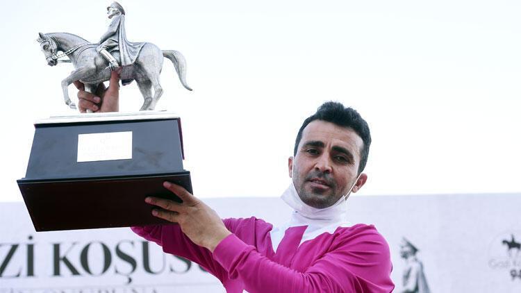 Gazi Koşusu'nda tarih yazan Ahmet Çelik: 'Çayımı içtim, atıma bindim, kazandım'