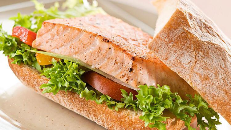 Izgara somonlu sandviç tarifi
