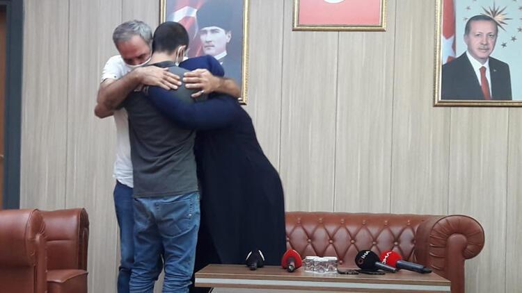 Son dakika haberler: İkna yoluyla teslim olan PKK'lı, ailesiyle buluştu