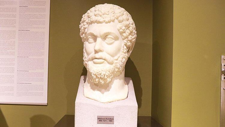Marcus Aurelius evine döndü