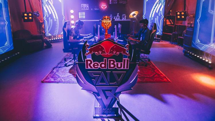 Türkiye'nin en büyük '1v1' League of Legends turnuvası Red Bull Solo Q başlıyor