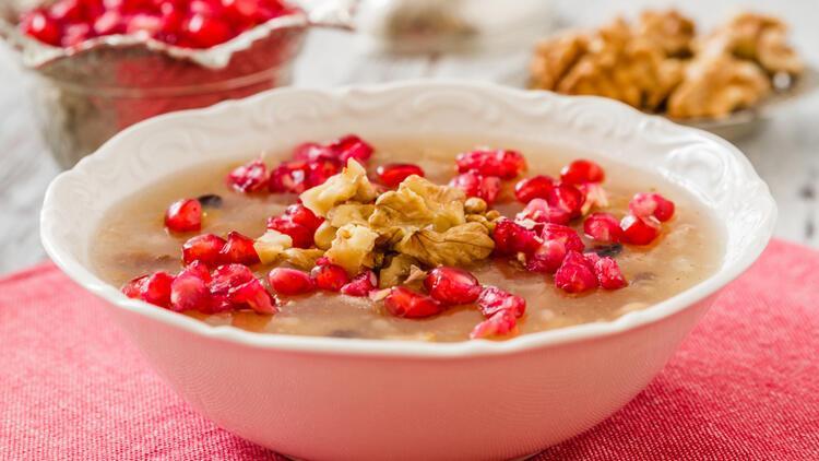 Gönül rahatlığıyla yiyin! İşte diyet yapanlara özel şekersiz aşure tarifi