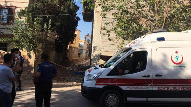 İnşaatın çatısından atlayan Suriyeli öldü