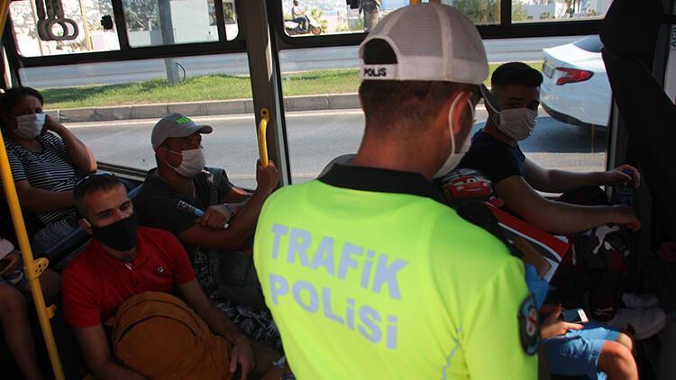 Bodrum'da minibüs ve taksilere Kovid-19 denetimi gerçekleştirildi