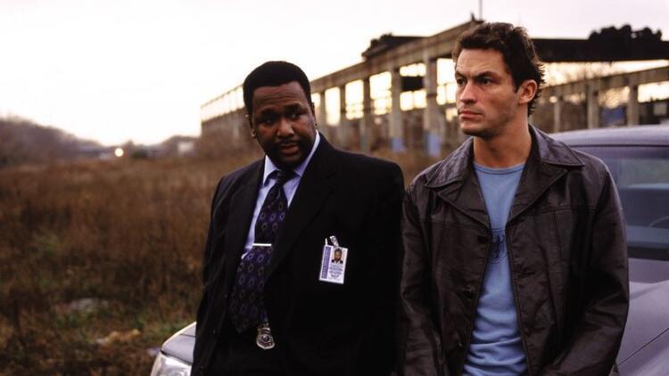 The Wire dizisinin konusu nedir? Kaç bölüm ve sezon? The Wire oyuncuları (Oyuncu kadrosu) listesi