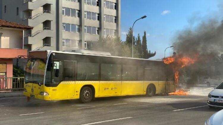 Son dakika... Bostancı'da İETT otobüsünde yangın