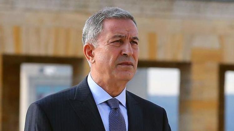 Bakan Akar'dan şehit Tuğgeneral'in ailesine taziye telefonu