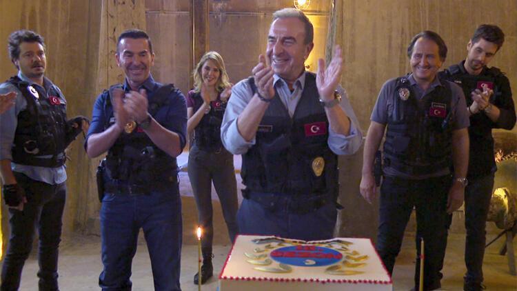 """Kanal D'nin efsane dizisi Arka Sokaklar"""" yeni sezona özel bir tanıtımla merhaba diyor!"""