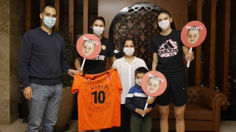 Eczacıbaşı VitrA'nın yıldızı Boskovic'den Mercan bebeğe destek