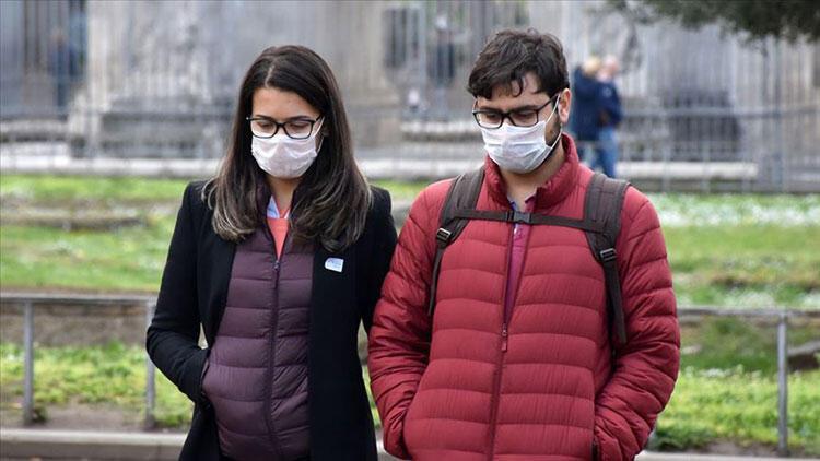 İtalya'da koronavirüs vaka sayılarındaki korkutan artış devam ediyor