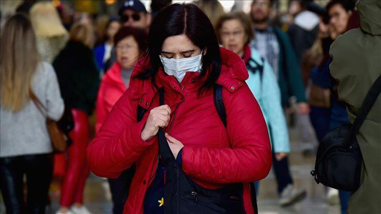 Yunanistan'da koronavirüs günlük vaka sayısında yeni rekor
